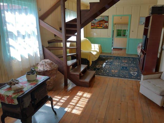 Um ambiente familiar no aconchego da Serra - Q. 1