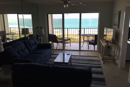 Ocean Harbour North Condo 2/2 with a boat slip.