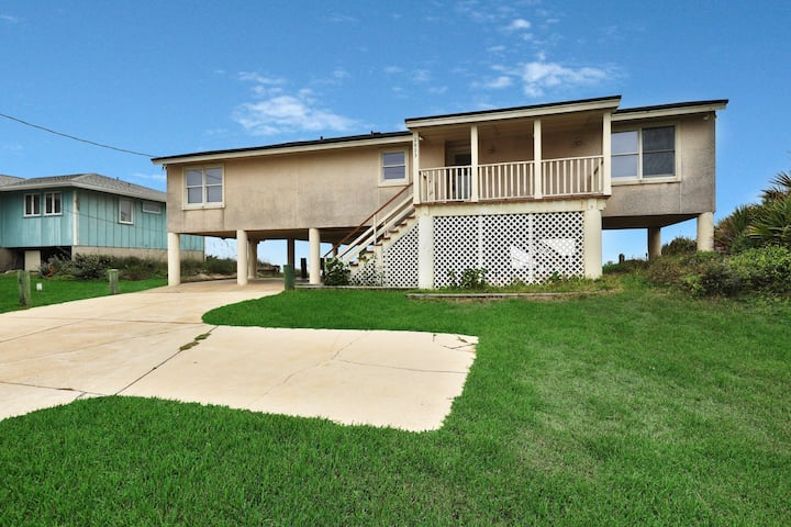 Dog-friendly oceanfront home w/ large deck & amazing views - on the beach!