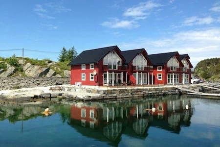 New lovely boathouse in Øygarden