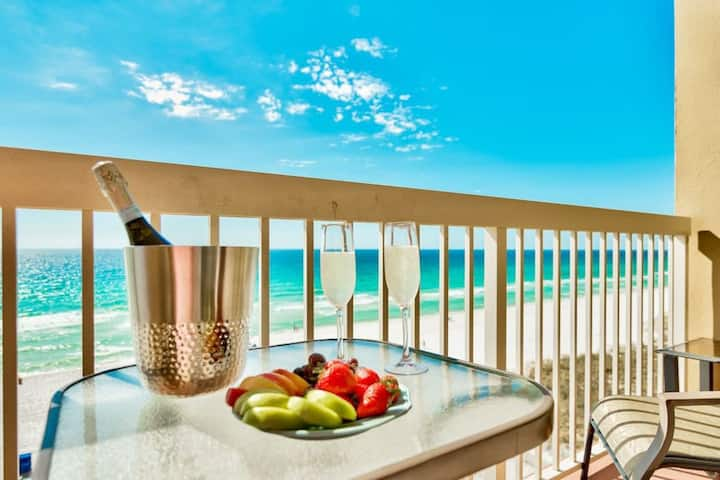 Beachfront, private balcony, spectacular Gulf view