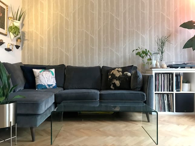 Stylish, 2 bedroom green paradise in Dalston