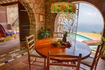 The airy dining room has two piton views, the Gros Piton to the left and the Petit Piton to the right.