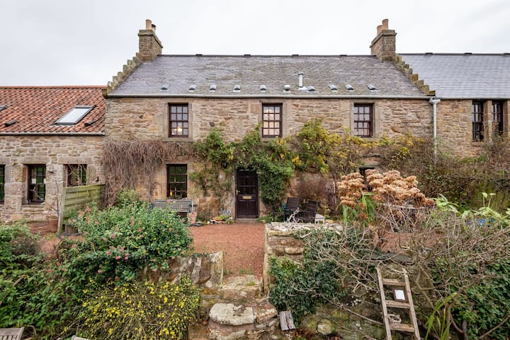 Sunnybraes, Cosy Countryside Cottage, St Andrews
