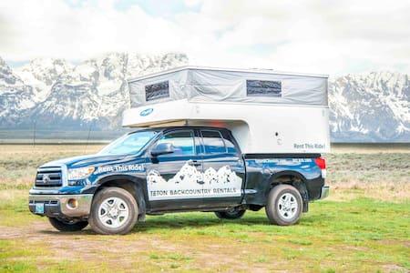 Yellowstone: Toyota Tundra & Camper - Parc Nacional de Yellowstone - Autocaravana