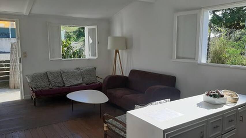 Maisonnette de brousse simple et charmante