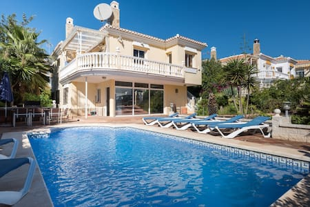 Luxury 5 bedroom, 4 bathroom villa - Torre del Mar