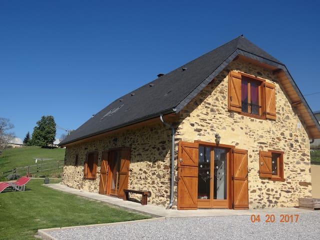 Ancienne Bergerie rénovée en maison - Astugue - House