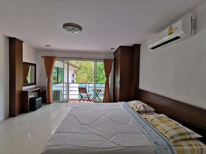 3 Bedroom Suite,mountain view,near Phuket Fantasea