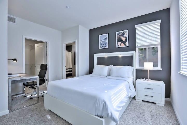 Urban Flat|Brand New Suite In San Mateo| Fresh & Clean