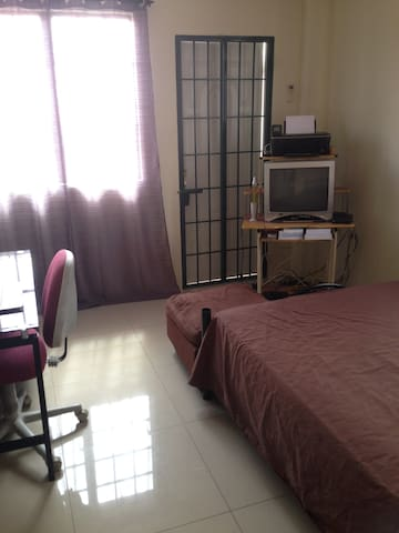 Carnival Accommodation - Port of Spain - Apartament
