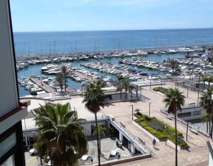 Marbella Center apartment in front of the beach
