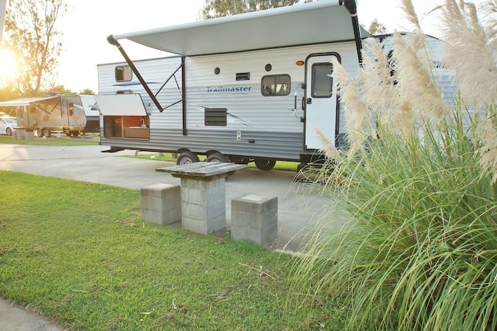 RV 2 bedrooms 1 bath, completely furnished, long term rentals welcome too!