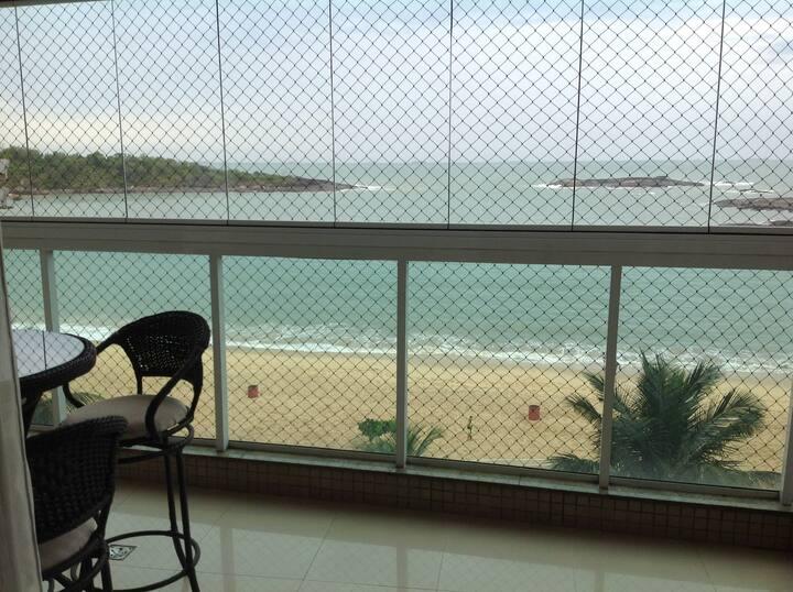 Apartamento Praia da Costa frente pro mar.