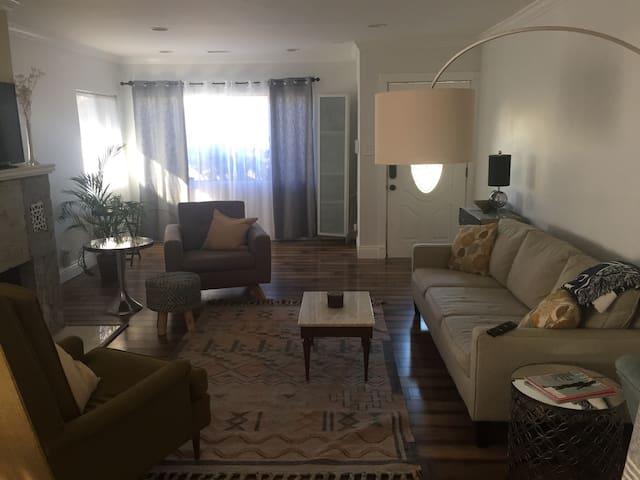 The best location in LA - Los Angeles - Rumah