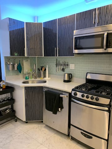 New Upper East Side 1 Bedroom, Near Central Park!