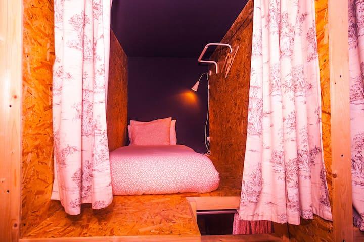 Sky Beds Lisbon | Dormitory Room