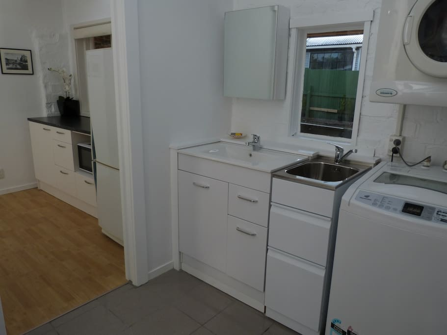 Great bathroom and Laundry facilities
