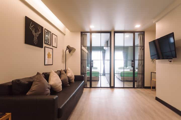 Silom 2 Bedrooms BTS(S6)