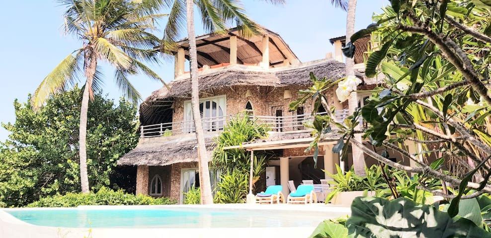 Baraka House, Glamorous Beachfront Villa