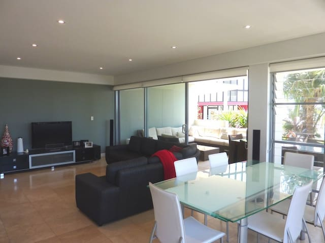 Point D Apartment - Tweed Heads - Apartment