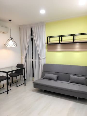 New Studio Suites in Town - George Town - Huoneisto