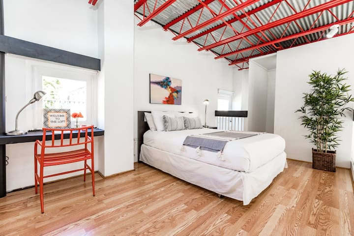 The Loft Miramar | Ideal for complete privacy and for a longer term rental to social distance in the