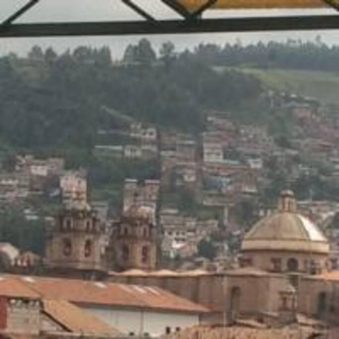Vista de la Catedral del Cusco desde el balcón