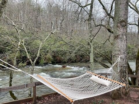 Memory Lane Mountain River Cabin