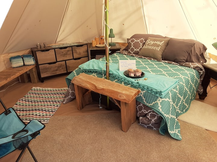 Glamping River Getaway- Wild West Cowtown Cozy