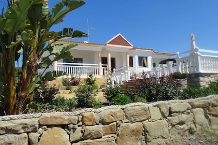 Villa Nicolparis - Peyia - Hus