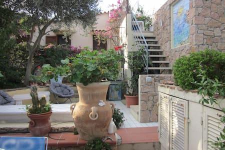 Bella casa con terrazza e giardino - Santa Teresa di Gallura - Ev