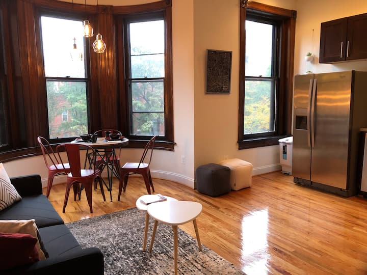 1 Bedroom FULLY RENOVATED w/ Roof Deck