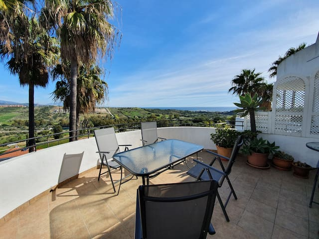 Penthouse Estepona Golf 2 bedrooms / 2 bathrooms