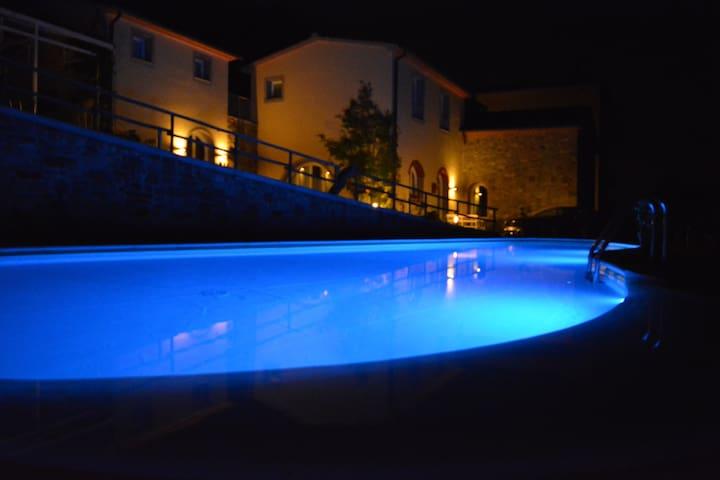 Appartamento in agriturismo con piscina e tennis