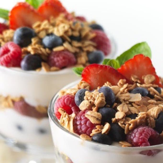 Complimentary breakfast with cereal, toast, fresh fruit, cheese, croissant or pastry, yogurt, tea & coffee.  Please note fruit changes each season.
