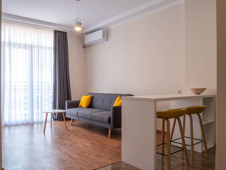 Bright and Cosy Apartment in Batumi