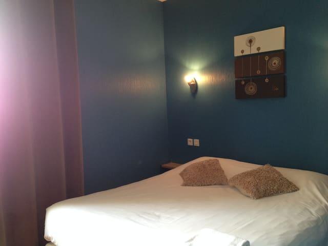 chambre double dans un hôtel - Saint-Malo - Bed & Breakfast