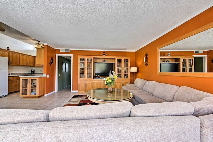 NEW! Palm Desert Condo w/Amenities & Pool Access!