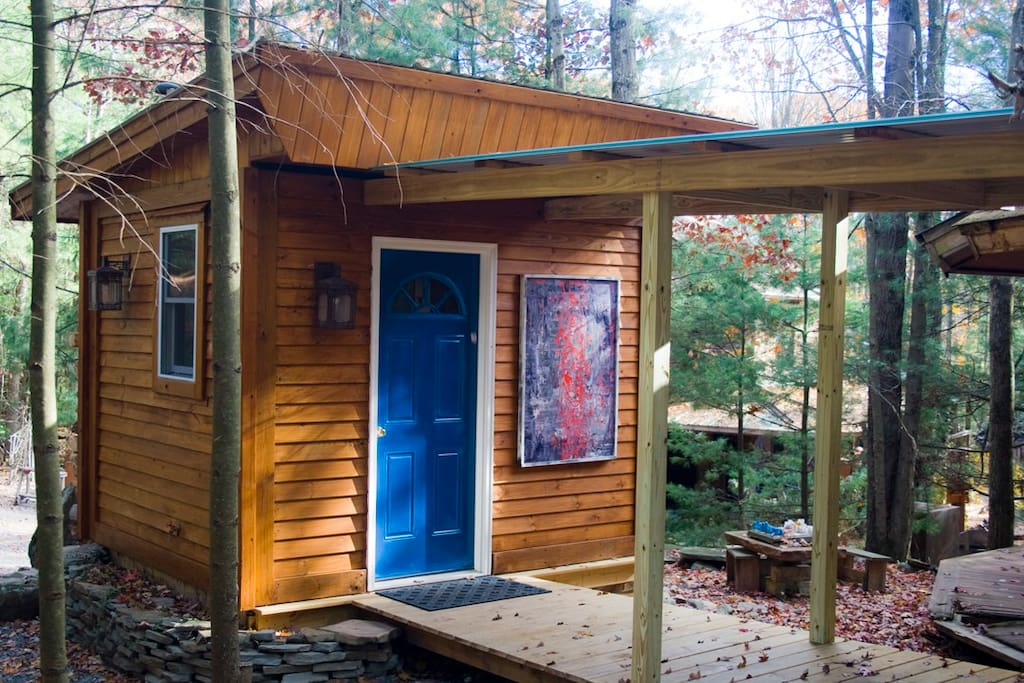 The bath building, connected to the cabin by a 10 foot walkway