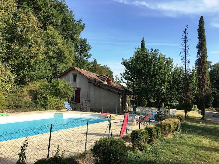 Ferme renovée avec piscine privée