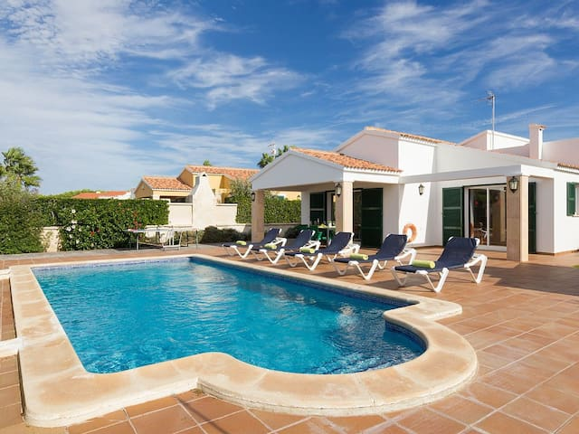 Villa in Cap d'Artrutx Situated Located In A Quite Resort. Sleeps 6.Private pool