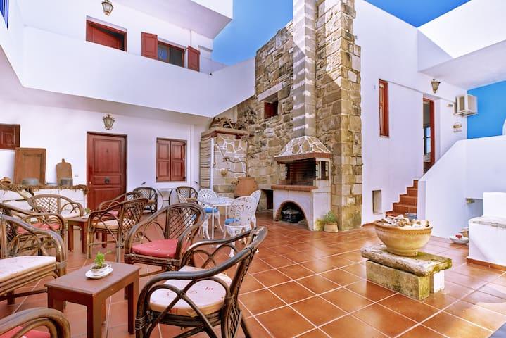 Lappa apartments - Antique