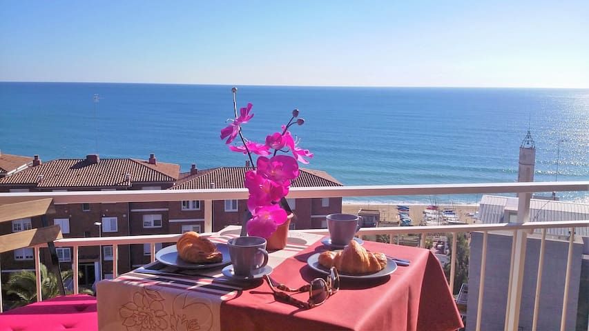 Carmen Seaview & Beach-apartment - Montgat-Barcelona