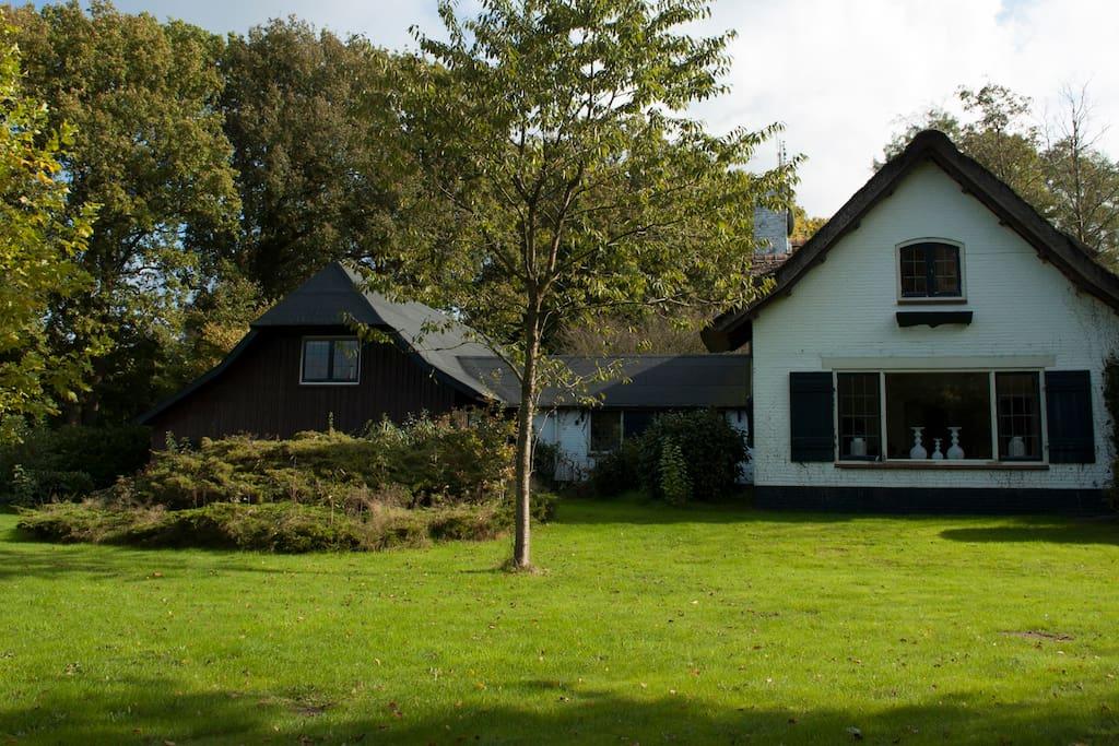 Villa de beyaerd uniek villa 39 s te huur in hulshorst for Opknap boerderij te koop gelderland