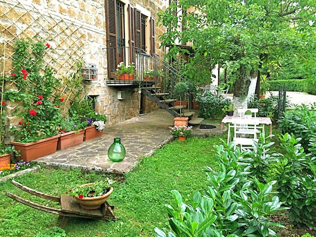 House with garden in the heart of Orvieto - Orvieto - House