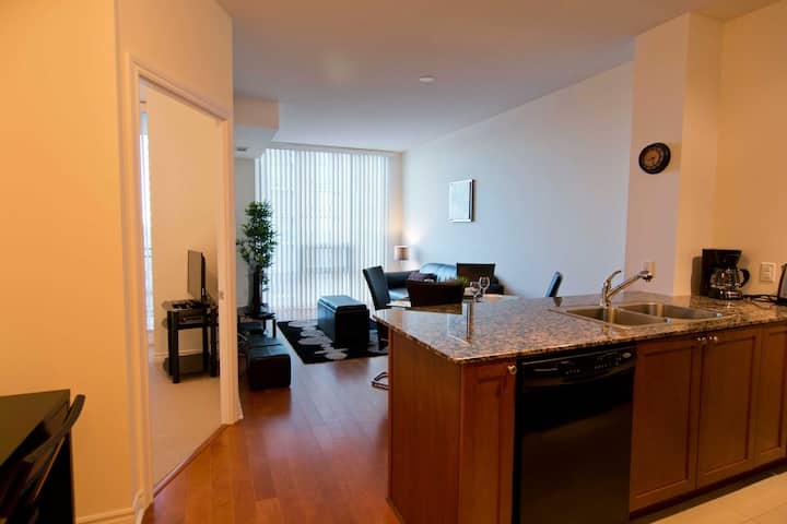 Mississauga - The Best One Bedroom Suite
