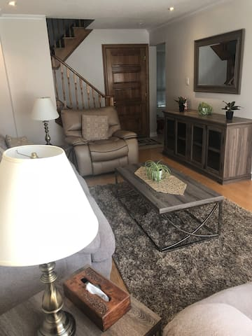 Room for rent 3 min to Toronto #4