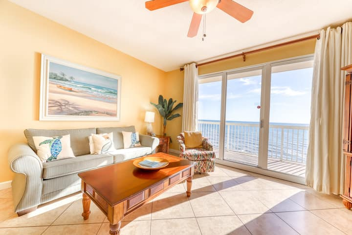 Spacious flat perfect for family getaways w/ shared pool, sun deck, & gulf view