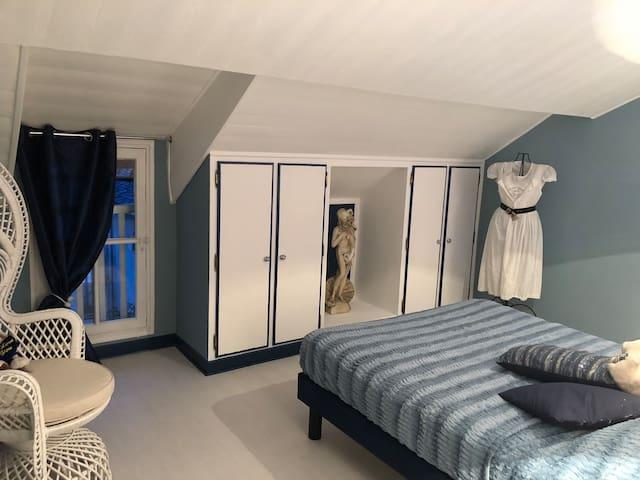 """Chambre """"Blue sky"""" dans Maison ancienne"""